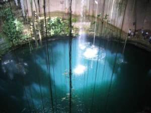 Cenote de Kantun-Chi, México.