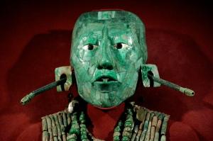 """Máscara mortuoria de Pacal """"el Grande"""", señor de Palenque. Sí, es de jade."""