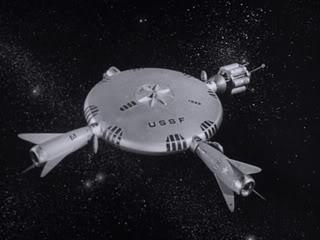 Maqueta para la película de ciecnia-ficción Project Moonbase, de Jacque Fresco. ¡Qué manía con las formas circulares!
