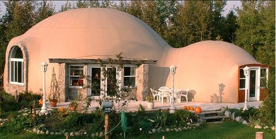 Domos monolíticos interconectados para formar una vivienda. Southampton, Ontario (Canadá).