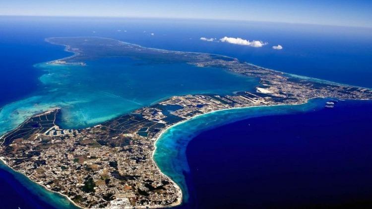 Vista aérea de la isla caribeña de Gran Caimán (